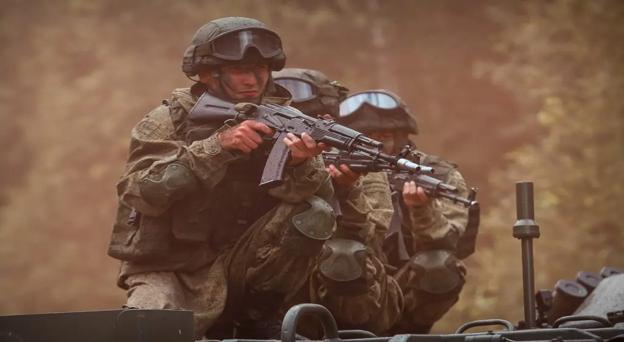 Moscou promete apoio militar se o Tadjiquistão for invadido via Afeganistão