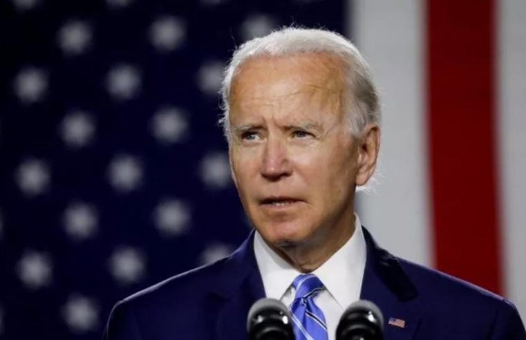 """Biden anuncia que os EUA estão perto de declarar a independência do """"vírus mortal"""""""