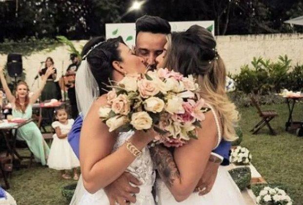 Conheça o trisal que viralizou após exibir live de casamento a três