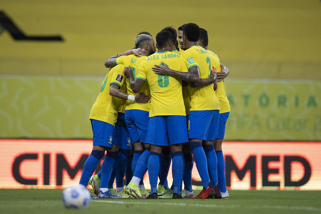 Eliminatórias da Copa: Brasil 2 x 0 Peru