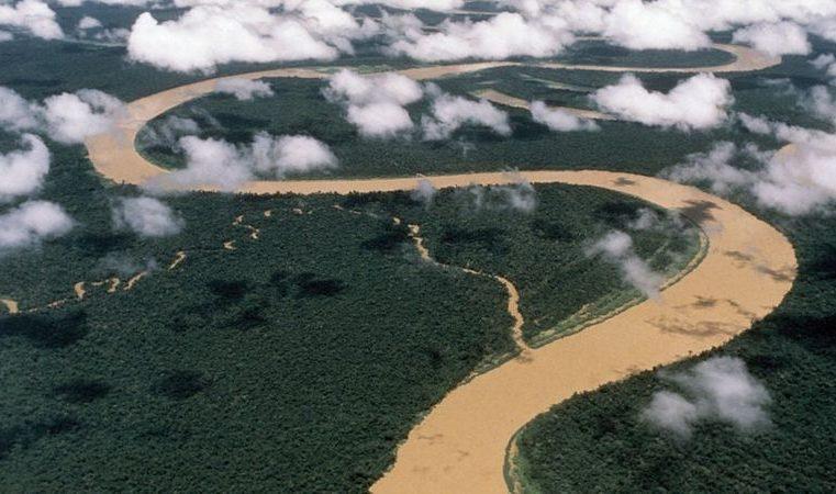 Guerrilheiros colombianos atravessam fronteira por garimpo ilegal na Amazônia